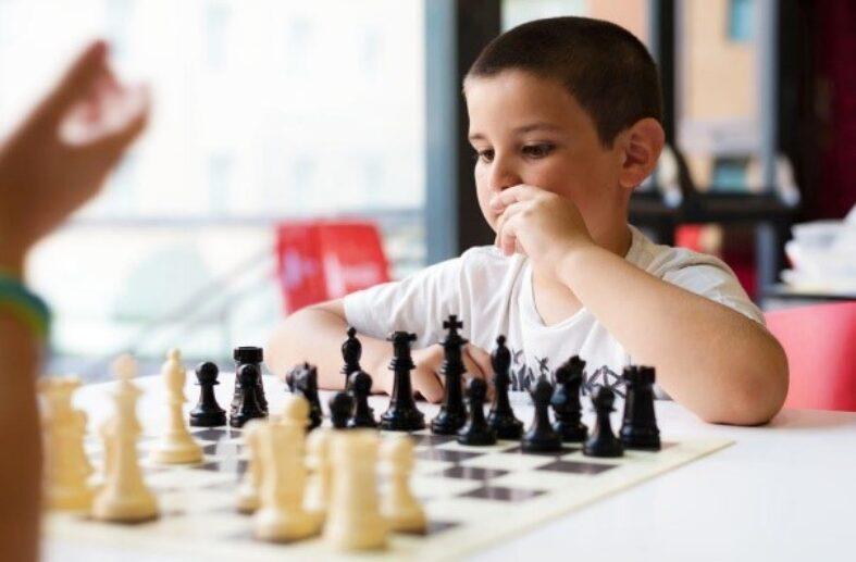 Tres claus fonamentals perquè un nen/a gaudexi amb els escacs.